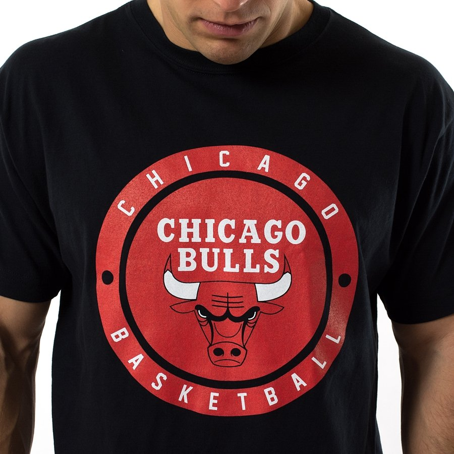 mitchell and ness t shirt circle patch chicago bulls black. Black Bedroom Furniture Sets. Home Design Ideas