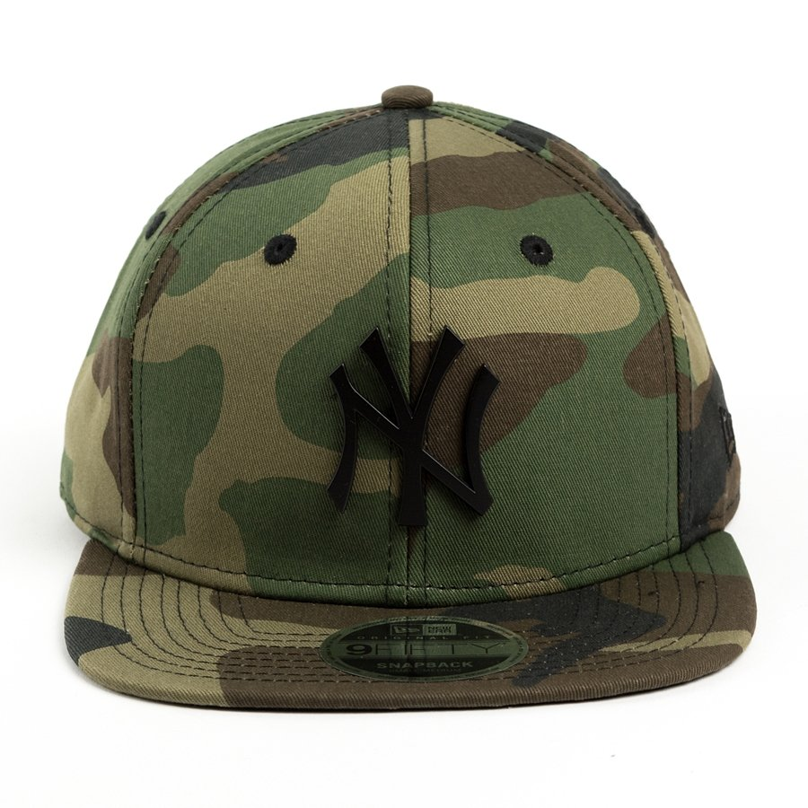 new era snapback metal badge new york yankees camo 9fifty. Black Bedroom Furniture Sets. Home Design Ideas