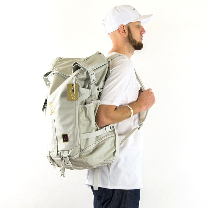 c7ae131bcb306 Nike Jordan Backpack Gold Chrome Nike Presto White Size 4 Boys ...