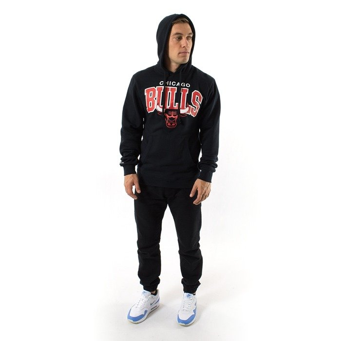 Bluza Mitchell and Ness hoody Team Arch Chicago Bulls black