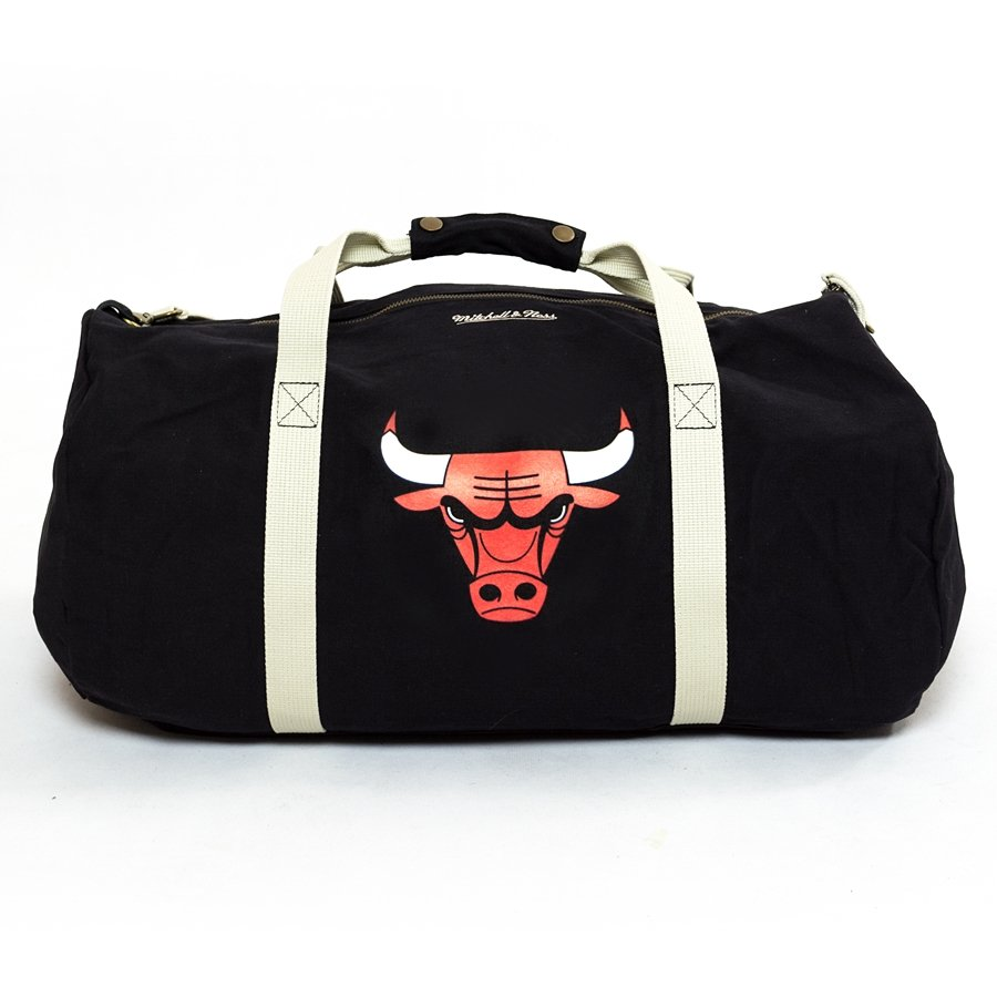 Mitchell   Ness duffle bag Team Logo Chicago Bulls black Chicago ... 0811721c4