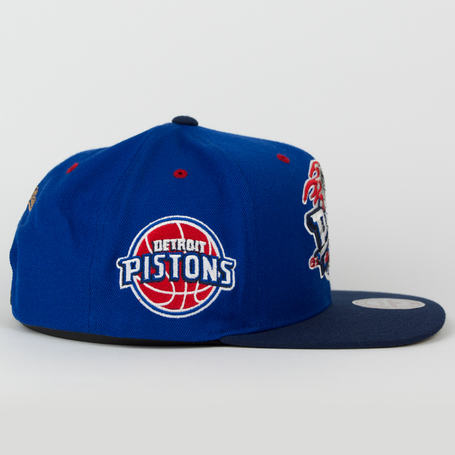 newest 216f6 d1fef Click to zoom  Mitchell and Ness Detroit Pistons snapback Championship Pack  2004 ...