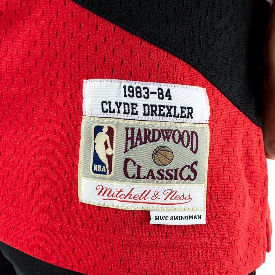 ... Mitchell and Ness Swingman Jersey HWC Portland Trail Blazers Clyde  Drexler 1983-84 red Click to zoom ed30447bf