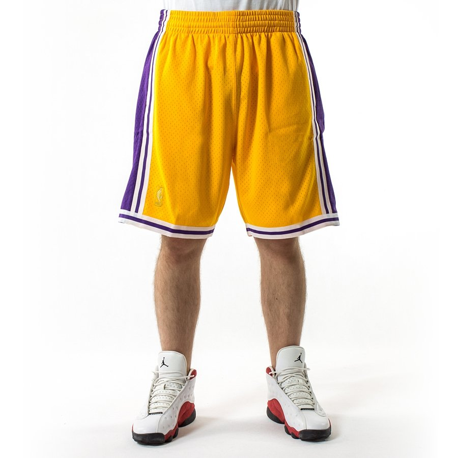 87ebe5bba37d Mitchell and Ness Swingman Shorts Los Angeles Lakers yellow Los ...