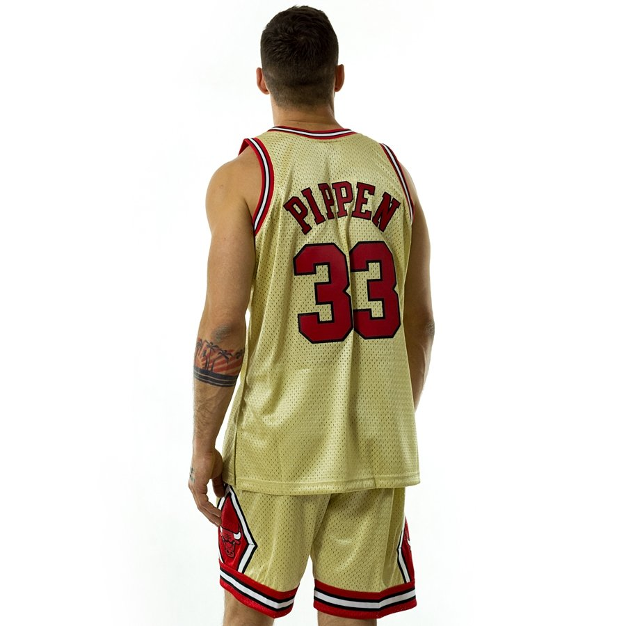 detailed look b6dd8 89f70 Mitchell and Ness gold swingman jersey QS Chicago Bulls Scottie Pippen gold  / red