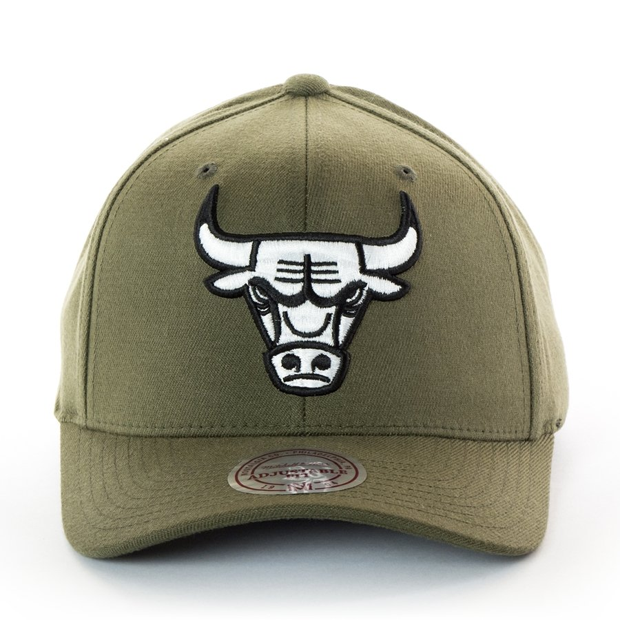 Mitchell and Ness snapback 110 Flexfit Chicago Bulls olive  04b0655539c