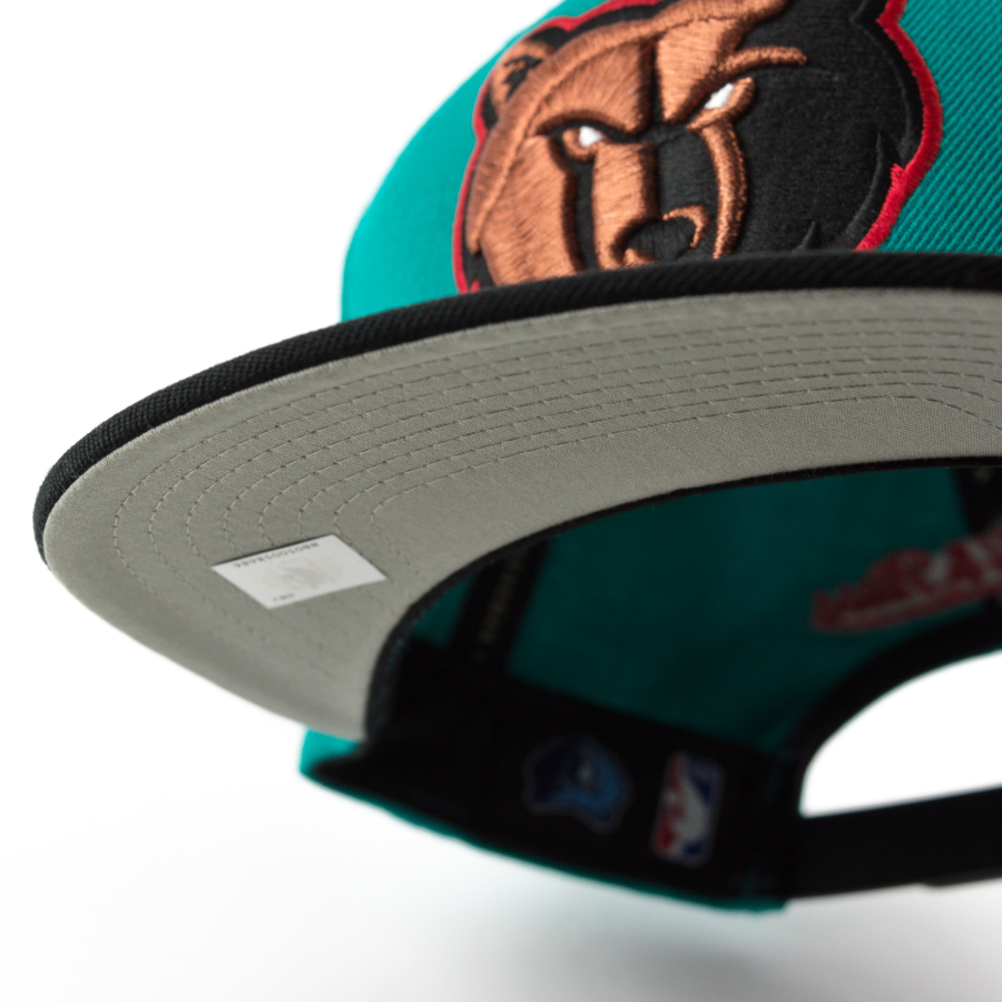 ... Mitchell and Ness snapback Current Throwback Memphis Grizzlies teal    black Click to zoom e9dd1f68289