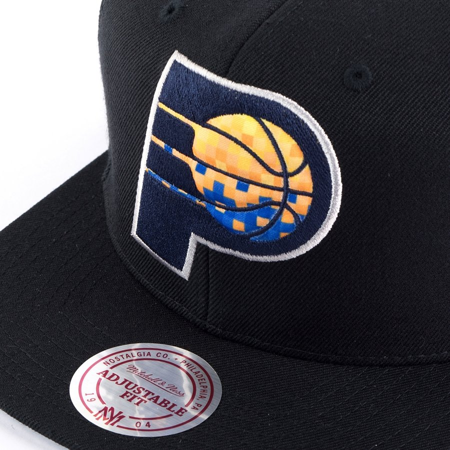 e350ae1504e ... Mitchell and Ness snapback Easy Three Digital XL Indiana Pacers black  Click to zoom