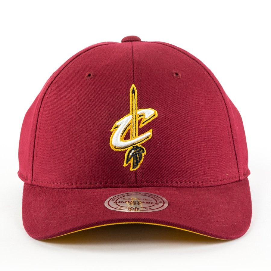 7f1745f7ec7 Click to zoom · Mitchell and Ness snapback Flexfit 110 Low Pro Cleveland  Cavaliers burgundy