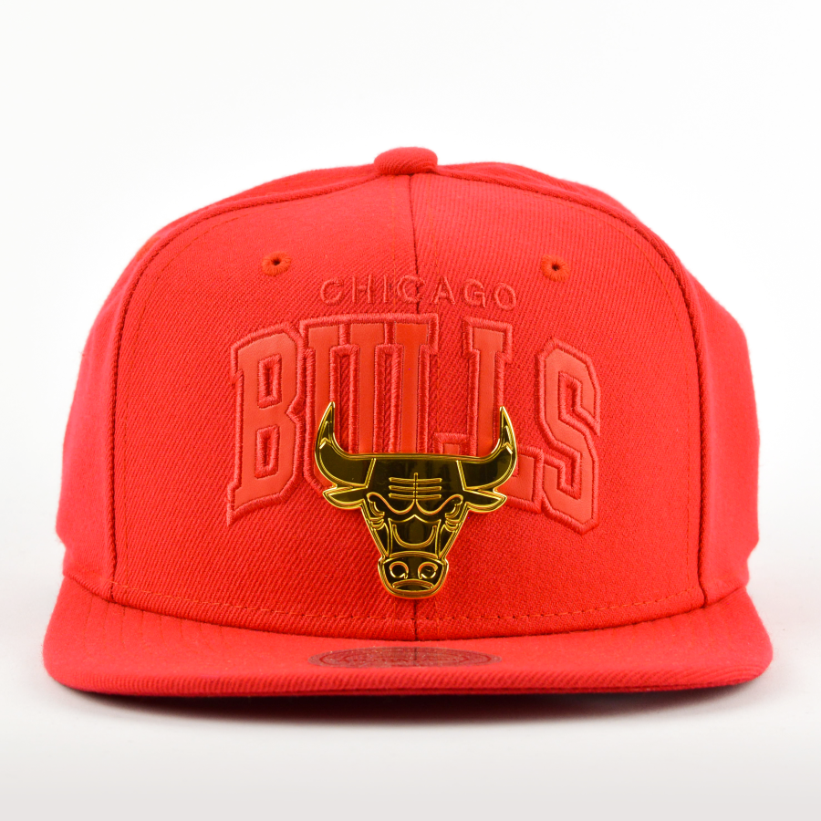 competitive price b61d4 56a8c Mitchell and Ness snapback Lux Arch Chicago Bulls red Click to zoom ...