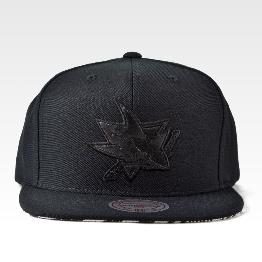 ac735a82eca Mitchell and Ness snapback San Jose Sharks Geo Tech black Click to zoom ...