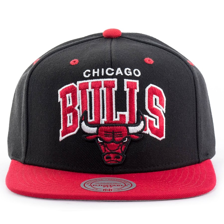 Mitchell and Ness snapback Team Arch Chicago Bulls black   red ... bb42afff10