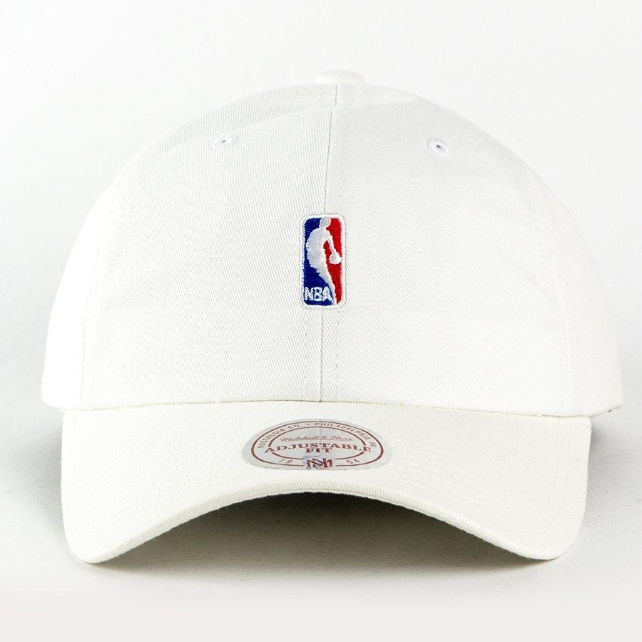 18fa80cf0f3 Mitchell and Ness strapback NBA Logo Low Pro white White