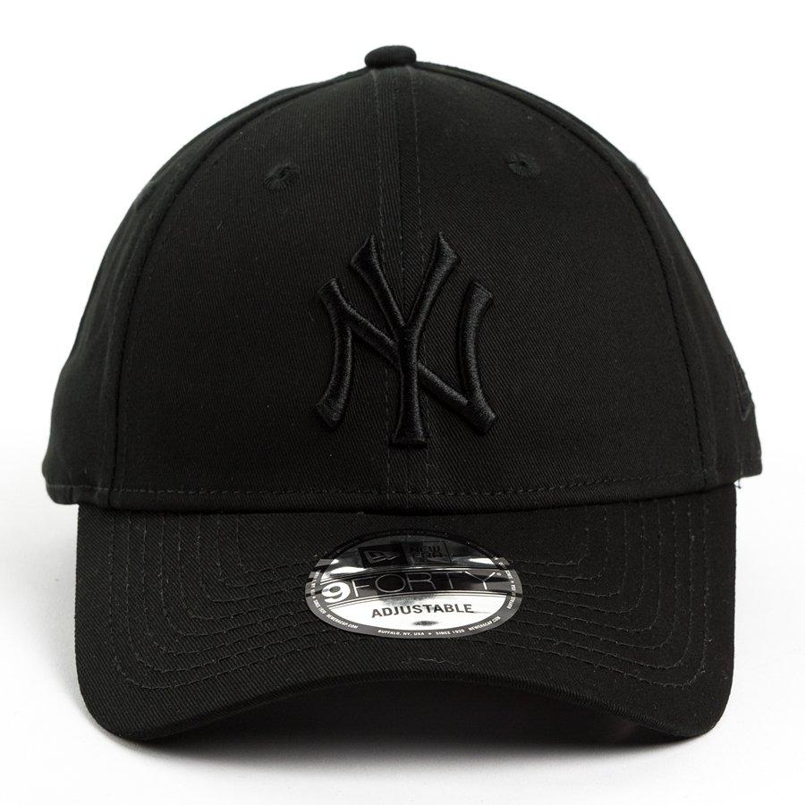 7943d22e5315f New Era strapback New York Yankees MLB League black 9FORTY Click to zoom ...