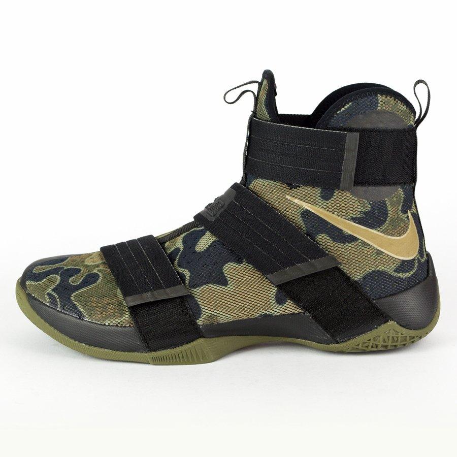104d7d8b4a35 Nike LeBron Soldier 10