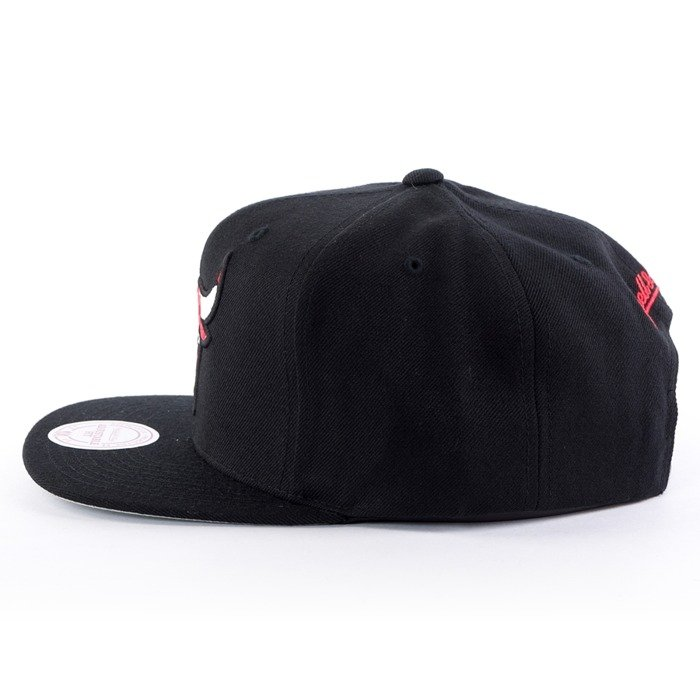 Mitchell and Ness snapback Easy Three Digital XL Chicago Bulls black
