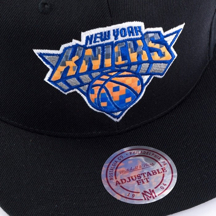 3827f8fe27c Click to zoom · Mitchell and Ness snapback Easy Three Digital XL New York  Knicks black