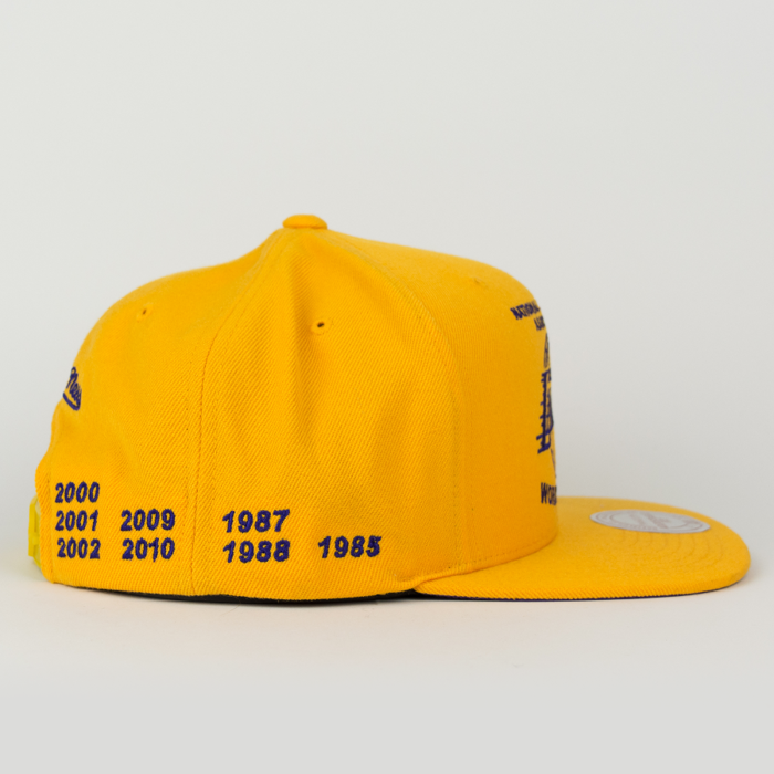 Mitchell and Ness snapback Los Angeles Lakers Championship Pack 16 Titles yellow (VP11Z)