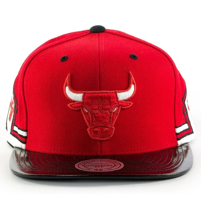 Mitchell and Ness snapback Red Hook 11 Chicago Bulls red / black / white