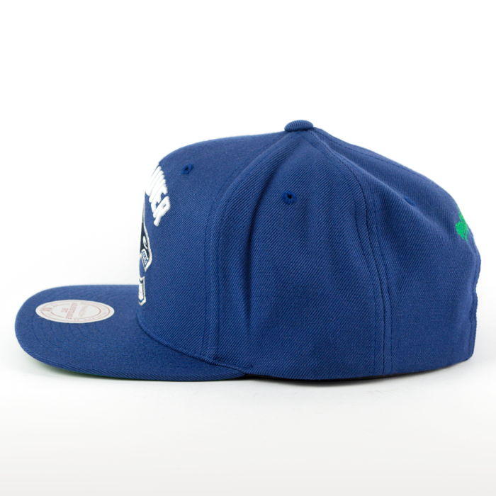 Mitchell and Ness snapback Solid Team Colour SB Vancouver Canucks navy