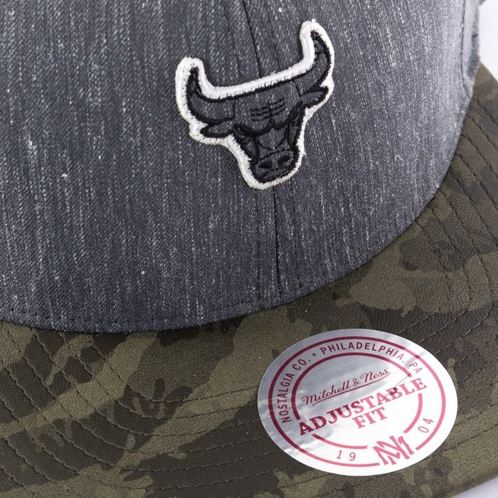 Mitchell and Ness snapback Trench 110 Chicago Bulls grey
