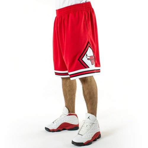 2521e3b3b3b ... Mitchell and Ness Swingman Shorts Chicago Bulls red Click to zoom. 1
