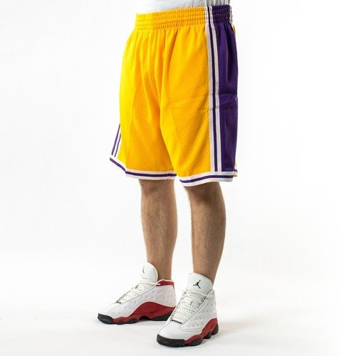 3682fa5e2511 ... Mitchell and Ness Swingman Shorts Los Angeles Lakers yellow Click to  zoom. 1