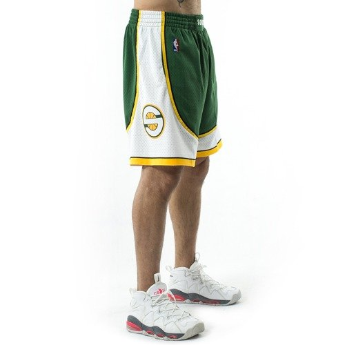 0f802c9c367 ... Mitchell and Ness Swingman Shorts Seattle SuperSonics 2007-08 green  Click to zoom. 1