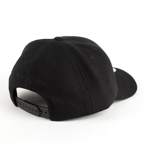 on sale a57cf 43a68 ... Mitchell and Ness dad cap Throwback Snapback Brooklyn Nets black Click  to zoom. 1