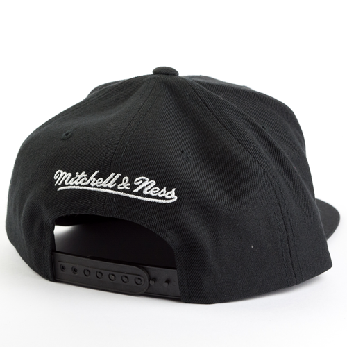 e7bedd529d1 ... Mitchell and Ness snapback Dark Hologram Golden State Warriors black  Click to zoom. 1