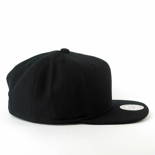 c7452ead5fb24 ... Mitchell and Ness snapback Solid Colour Blank M N black Click to zoom. 1