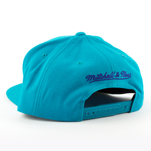 premium selection 080ae a2874 ... Mitchell and Ness snapback Solid Team Colour SB Charlotte Hornets teal  Click to zoom. 1