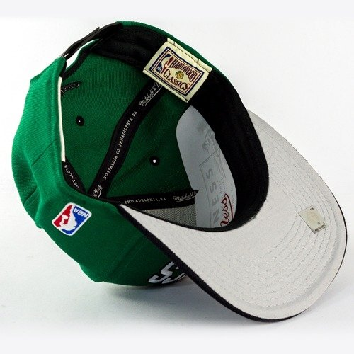 buy online 0ab87 73891 ... Mitchell and Ness snapback Team Arch Boston Celtics green   black Click  to zoom. 1