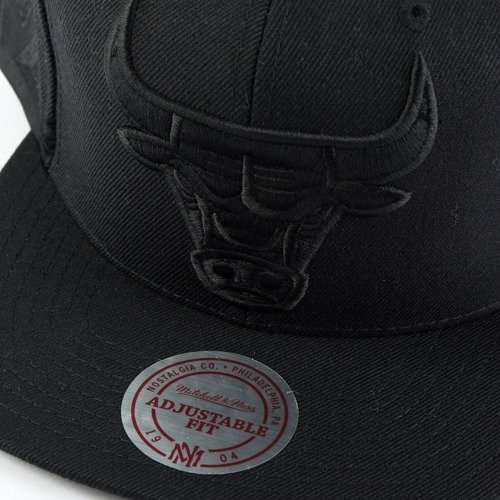 best sneakers f6221 5c45d ... Mitchell and Ness snapback Tonal Short Hook Chicago Bulls black Click  to zoom. 1