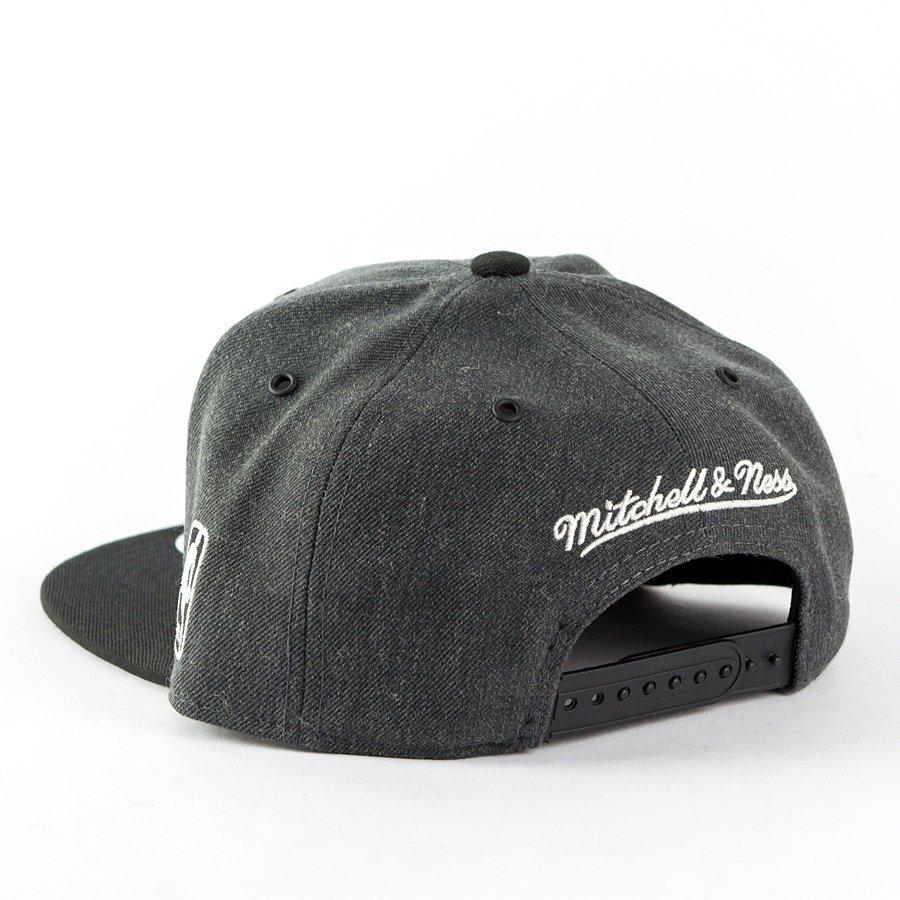 low priced 69e16 62626 Kliknij, aby powiększyć · Czapka Mitchell and Ness snapback G3 Logo San  Antonio Spurs charcoal   black Kliknij, aby powiększyć