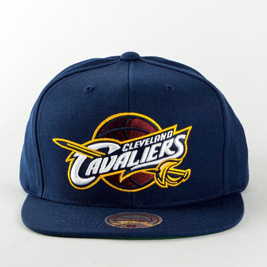 cheaper 0e1eb 4dea0 Kliknij, aby powiększyć  Czapka Mitchell and Ness snapback Wool Solid  Cleveland Cavaliers navy