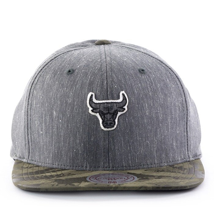 Czapka z daszkiem Mitchell and Ness snapback Trench 110 Chicago Bulls grey