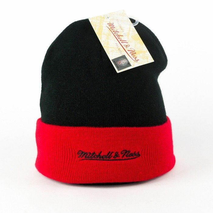 Czapka zimowa Mitchell and Ness Arched Cuff Knit Chicago Bulls black / red